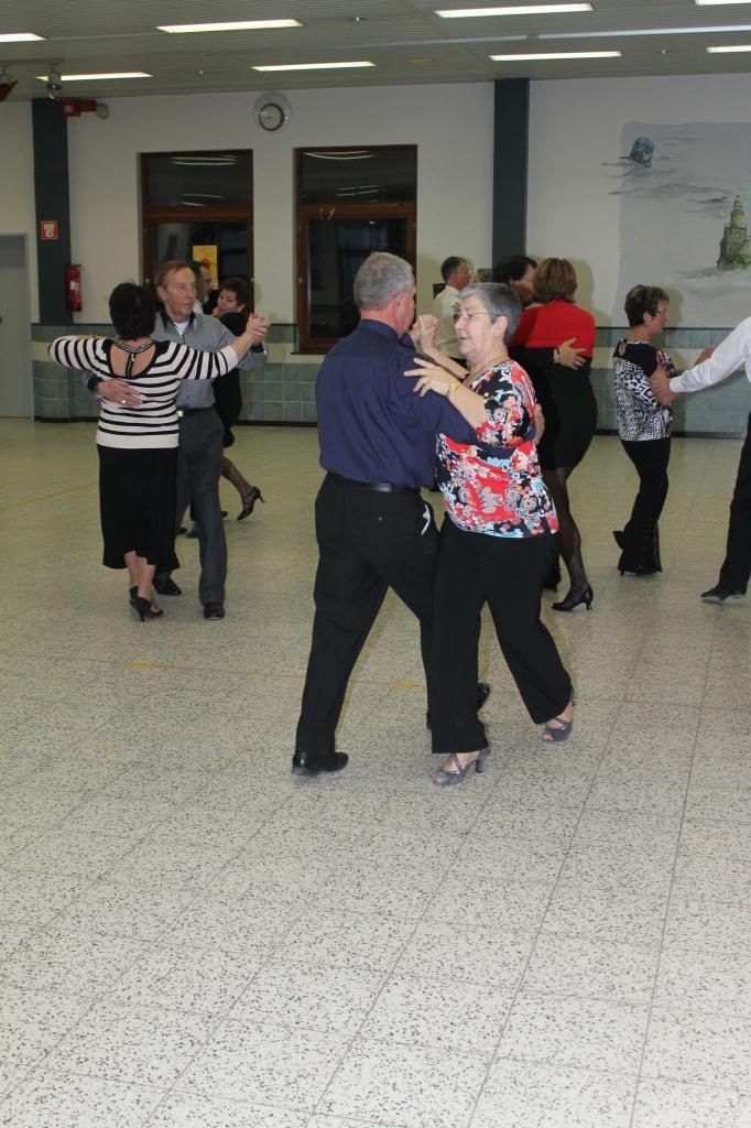 Thé dansant (77)