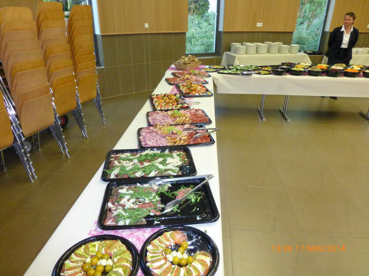 Table & Buffet (7)