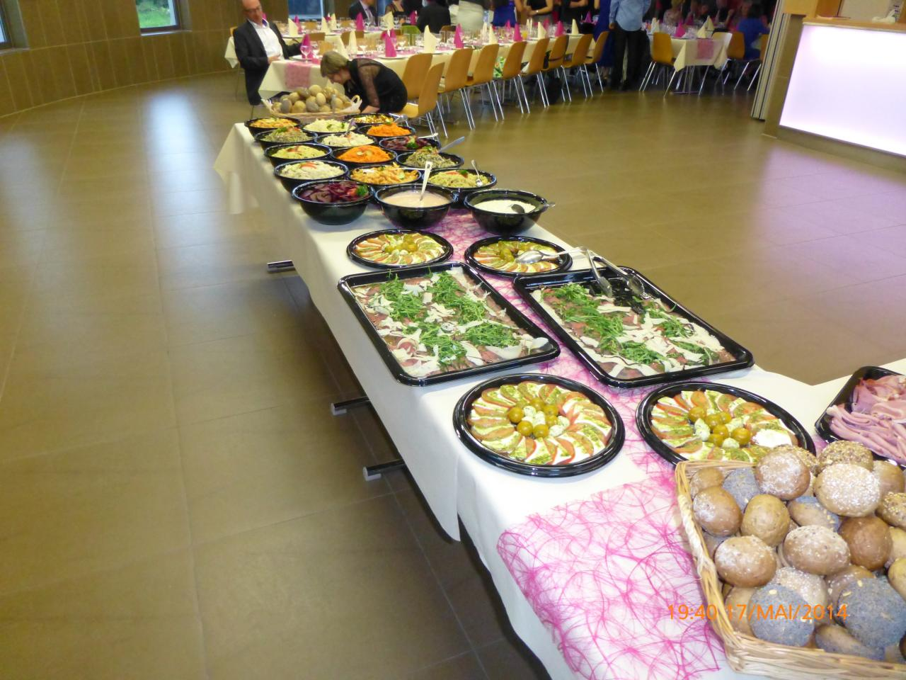 Table & Buffet (8)